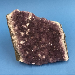 Ametyst geoda - waga 0,84 kg - 9,5 x 12 x 9,5 cm
