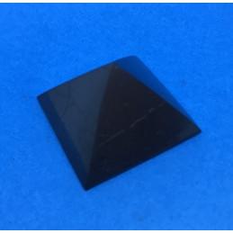 Szungit - piramida polerowana 30 x 30 x 23 mm