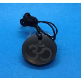 Wisiorek z szungitu - grawer znak OM - okrągły 30 mm